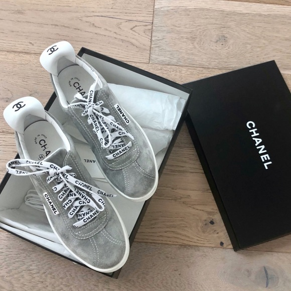 New In Box Flat Top Suede Grey Sneakers